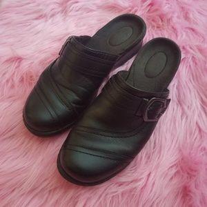 Black Clarks Slip On Round Toe Shoes
